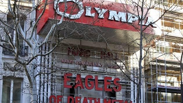 Americká skupina Eagles of Death Metal vystoupí v pařížské Olympii.