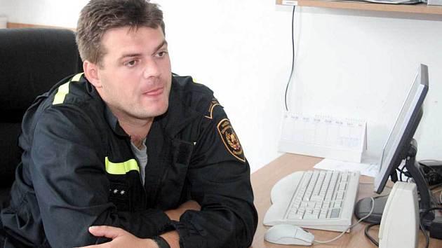 BYL U TOHO. Hasič Tomáš Pumprla zasahoval před deseti lety při povodních .