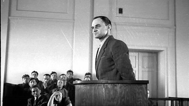 Politický proces s Witoldem Pileckým v roce 1948
