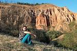 U skalních útvarů Râpa Roşie nedaleko rumunského města Sebeș.