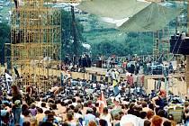 Publikum na Woodstocku? 400 až 700 tisíc diváků