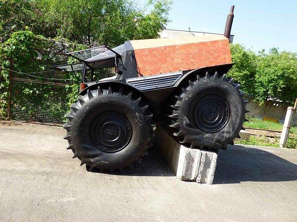 Sherp je zvláštní terénní vozidlo zRuska.