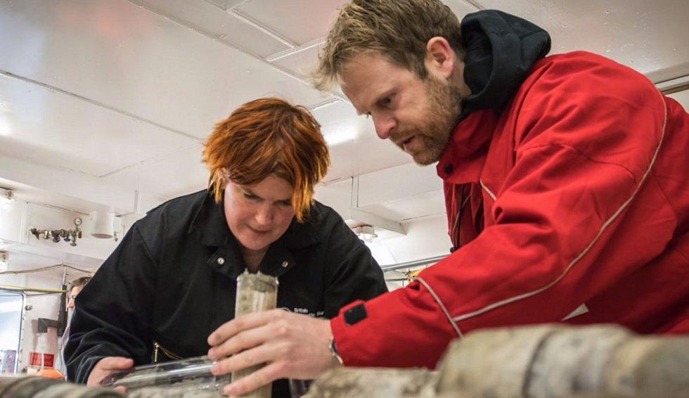 Vědci jejich pomocí získali a zkoumali vzorky pravěké půdy