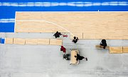 Pokládání povrchu pro ME v Basketbale na hokejovém stadionu v Hradci Králové