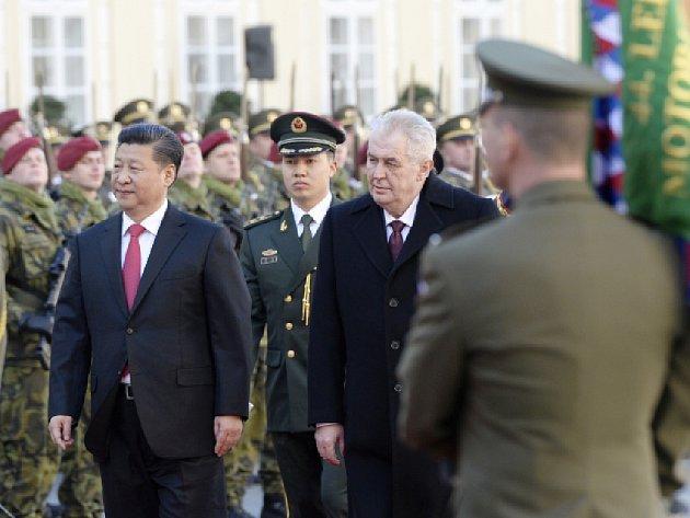 Prezident ČR Miloš Zeman a jeho čínský protějšek Si Ťin-pching se setkali 29. března na Pražském hradě.