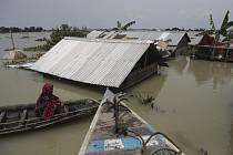 Záplavy způsobené monzunovými dešti v indickém Gauhátí