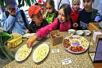 Děti ochutnaly čerstvé a zdravé potraviny