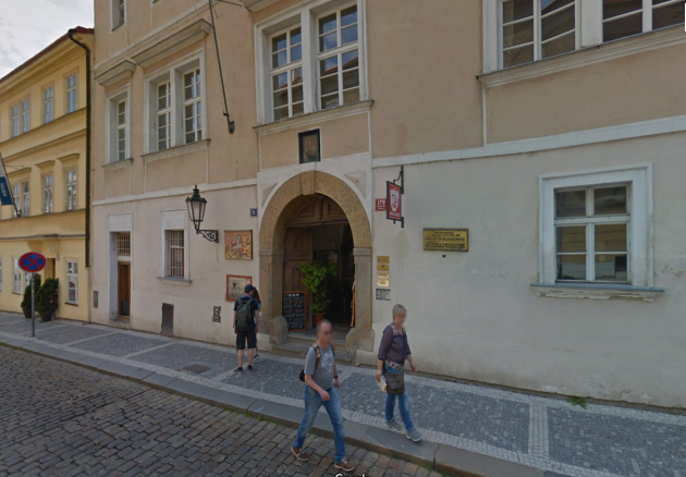 Dům UTří sekyrek, Loretanska 13, sídlo štábu Miloše Zemana