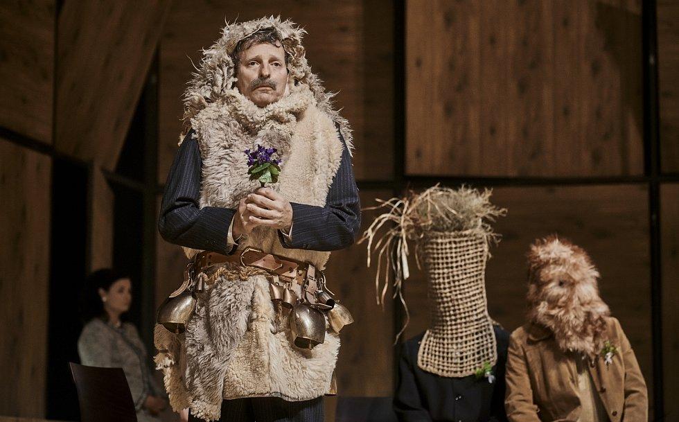 ze hry Maryša inscenované v Národním divadle