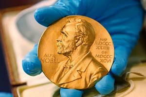 Medaile pro laureáty Nobelovy ceny