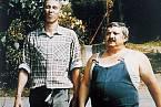 János Bán s Mariánem Labudou ve filmu Vesničko má středisková