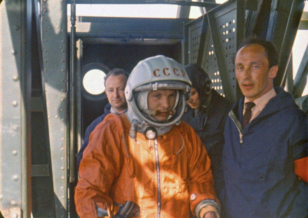Jurij Gagarin ve skafandru SK-1, v němž 12. dubna 1961 uskutečnil první cestu do vesmíru