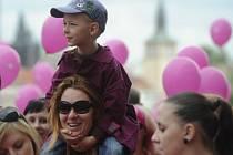 V Praze se 9. června uskutečnil 12. ročník Avon pochodu proti rakovině prsu.