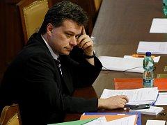 Ministr spravedlnosti Pavel Blažek na schůzi Poslanecké sněmovny.