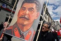 Stalin má nad Rusy zvláštní moc.
