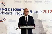 Premiér Bohuslav Sobotka vystoupil 9. června v Praze na konferenci Evropské unie o budoucnosti evropské bezpečnosti a obrany.