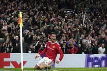 Fotbalista Manchesteru United Cristiano Ronaldo se raduje z gólu.
