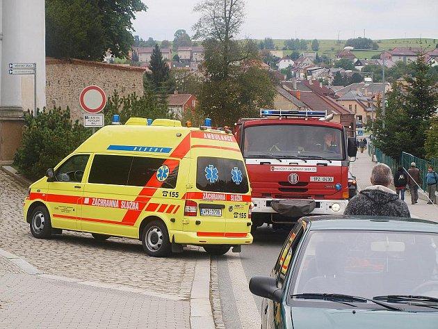 Devítiletá dívenka skončila ve středu 21. září 2011 odpoledne pod koly jedoucího automobilu. Naštěstí její zranění nebyla nijak vážná. Zřejmě nehodu také způsobila. Událost se stala v Zámecké ulici v Tachově.