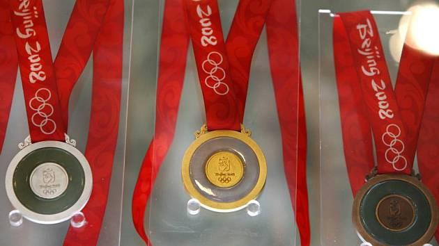 Sada medailí pro OH v Pekingu.