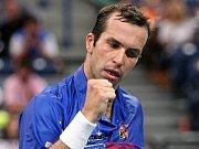 Radek Štěpánek se raduje v semifinále Davis Cupu proti Srbsku.