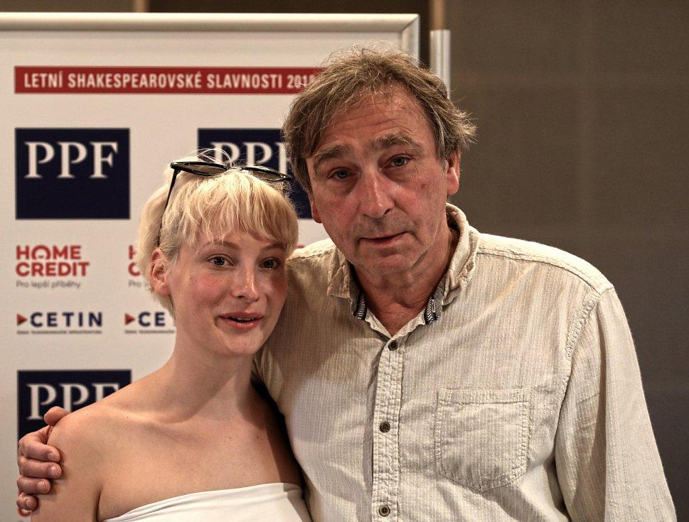 Anna Fialová a Ondřej Pavelka na tiskové konferenci k Letním shakespearovským slavnostem 2018