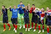 Fotbalisté Chorvatska oslavují postup do finále mistrovství světa.
