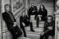 Svědkové historie. Bon Jovi reflektují současnost.
