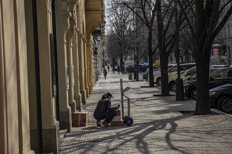 Nejdražší nákupní ulice v zemi zeje prázdnotou.