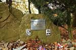 Památník obou pilotů nedaleko Boršova nad Vltavou, kde byli oba sestřeleni