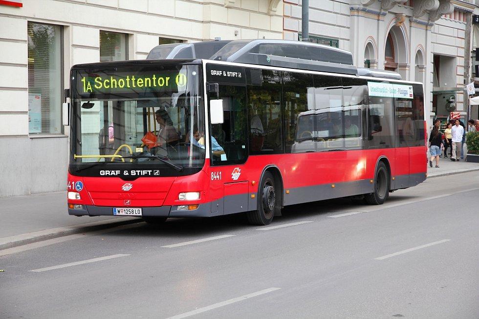Městská hromadná doprava ve Vídni. Wiener Linien.