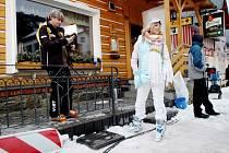 Z natáčení filmu Sněženky a machři 2 v Peci pod Sněžkou