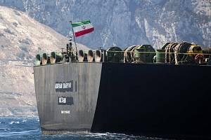 Íránský ropný tanker Adrian Darya 1 (dříve Grace 1) u Gibraltaru na snímku z 18. srpna 2019