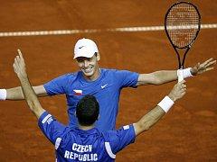 Rozhodující čtyřhra. Štěpánek s Berdychem společně dokráčeli do finále Davis Cupu.