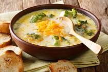 Brokolicová polévka s ementálem