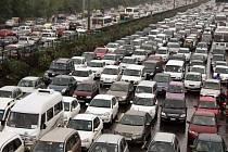 V Dillí a dalších městech nefungovaly semafory, což ochromilo dopravu