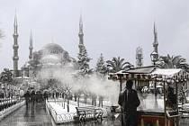 Sníh zasypal tureckou metropoli.