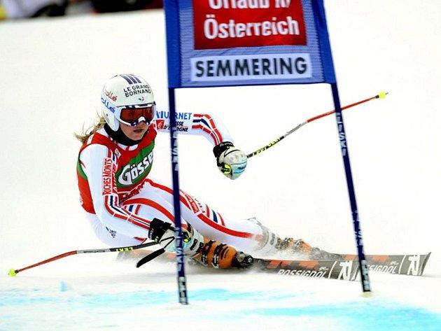 Tessa Worleyová v obřím slalomu Světového poháru v Semmeringu.