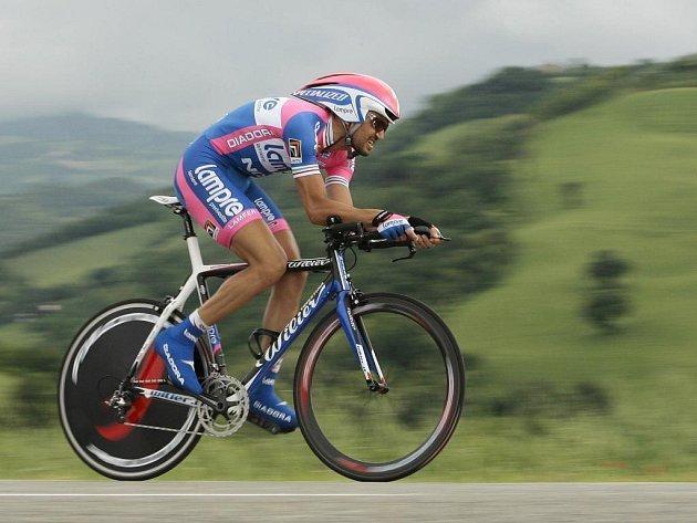 První individuální časovku letošního Gira vyhrál Ital Marzio Bruseghin.