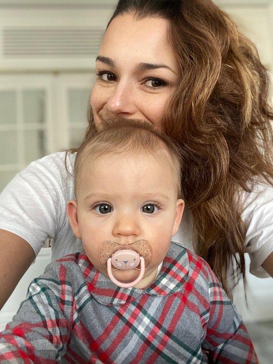 Aleně a Alessandrovi se narodila holčička Vivienne Charlotte