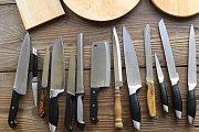 Nožům v myčce hrozí ztupení a jejich střenky se mohou odlepit