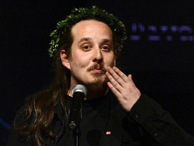 Vyhlášení Cen divadelní kritiky 13. března v Praze. Režisér Jan Frič převzal cenu za Incenaci roku.