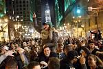 Fanoušci Super Bowlu v ulicích