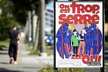 Plakát nacionalistické Švýcarské lidová strany (SVP) na ulici v Lausanne před referendem k návrhu SVP zrušit smlouvu s EU o volném pohybu osob.
