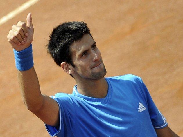 Srb Novak Djokovič je dvě vítězství od obhajoby titulu na turnaji Série 1000 v Římě.