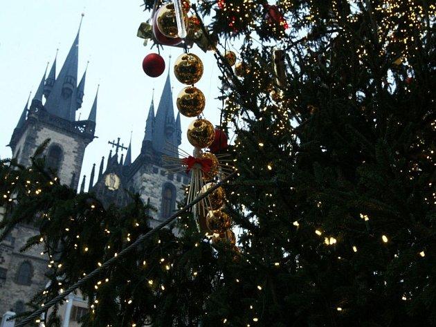 Staroměstské náměstí během vánočních trhů