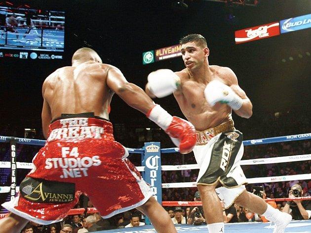 Amir Khan (vpravo)