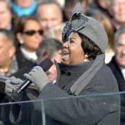 Aretha Franklinová zpívá v lednu 2009 na inauguraci prezidenta Baracka Obamy.