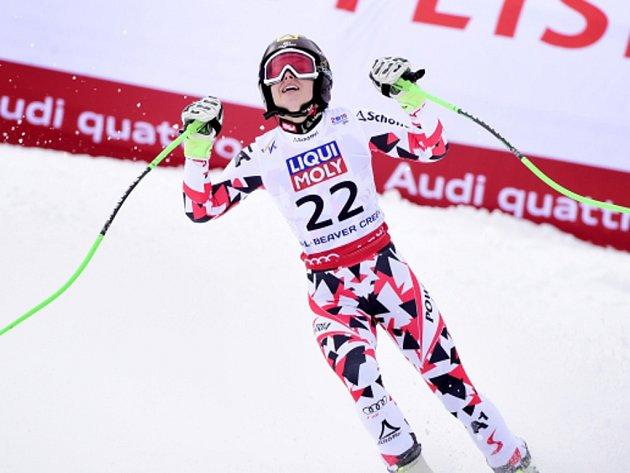 Anna Fenningerová se raduje z vítězství v super-G na MS v Beaver Creeku.