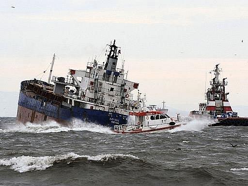 V bosporské úžině se srazily dvě nákladní lodě