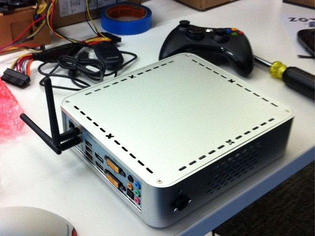 Obrázek údajné nové konzole Steam Box.